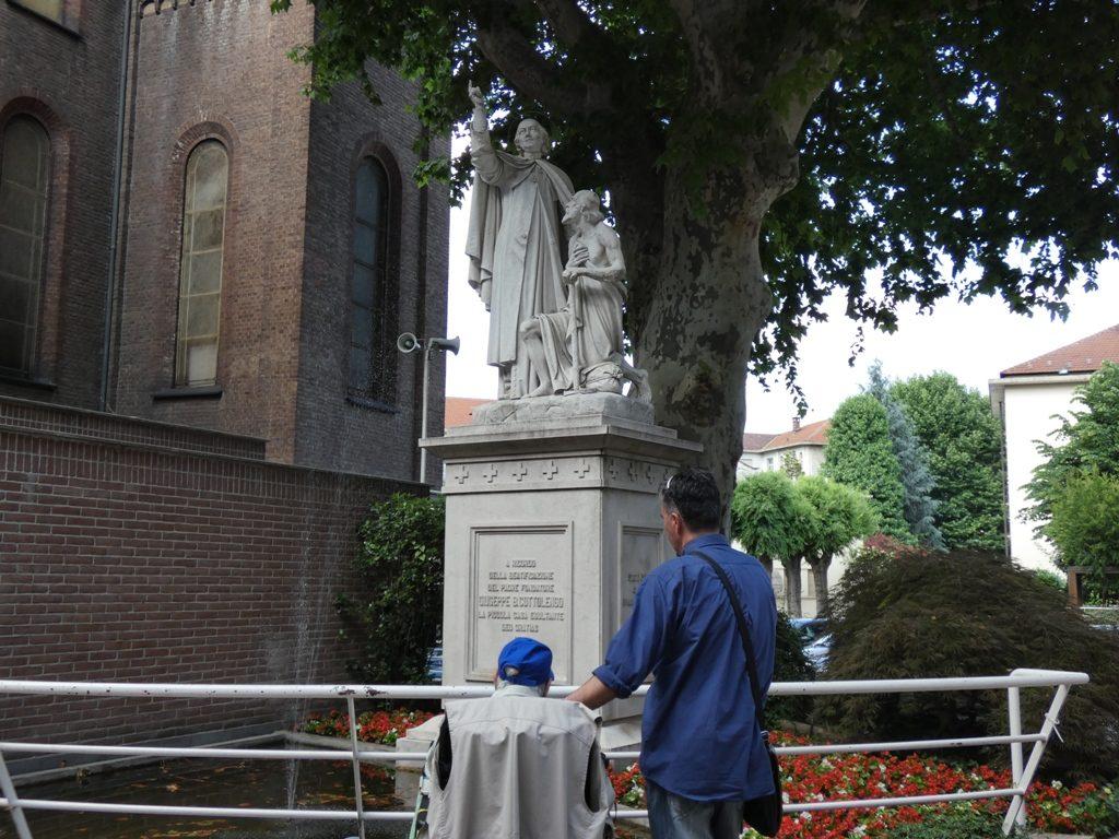 Statua Cottolengo